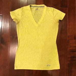 Under Armour heat gear V Neck Gym Shirt Size XS